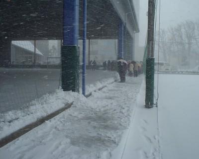 1月末の屋根付きサッカー練習場光景 (新潟駅近くにて)